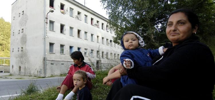 Dvacet let integrace chudých Romů romskými elitami